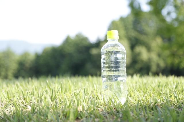ペットボトル飲料水