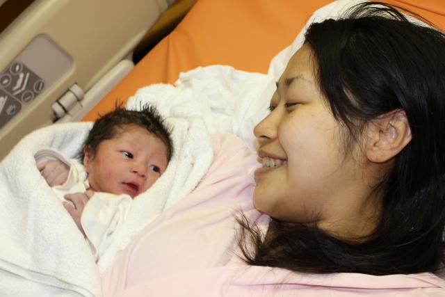 産後の肥立(ひだ)ちとは?期間と回復を促す3つの方法