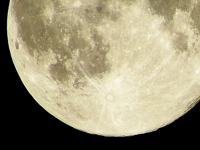 【2018年暦】満月の夜に出産が多い理由は?2つの神秘的な偶然