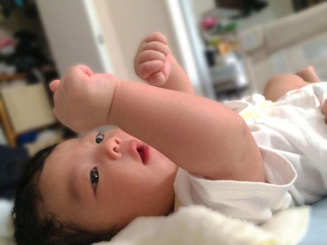 産後3ヶ月の抜け毛がひどい…ママを安心させる話4選