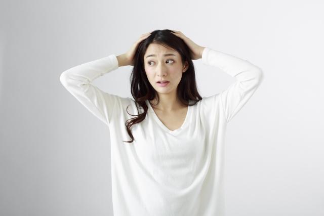 産後の抜け毛がひどい!先輩ママの声から読み解く4例+予防策
