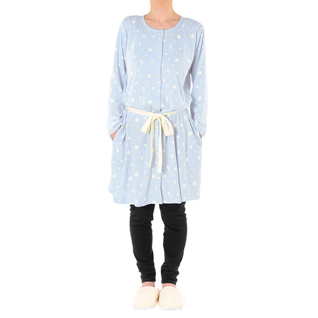赤ちゃん本舗の星柄マタニティパジャマ 綺麗なブルーがさわやか