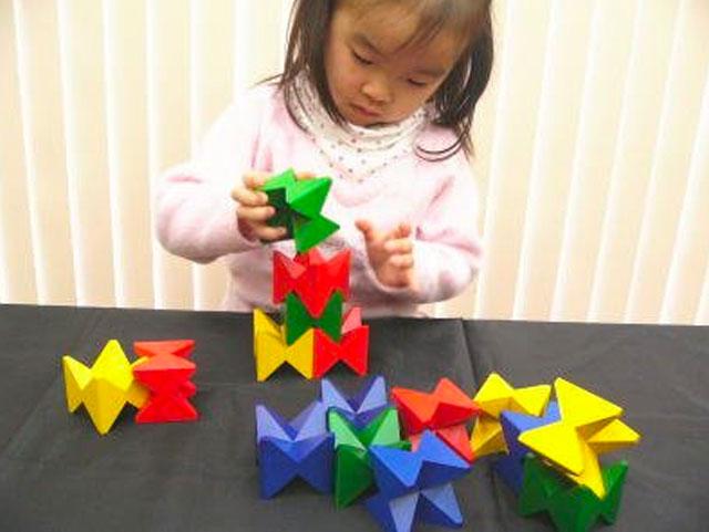 ネフは子どもから大人まで幅広い層に愛されるおもちゃブランド