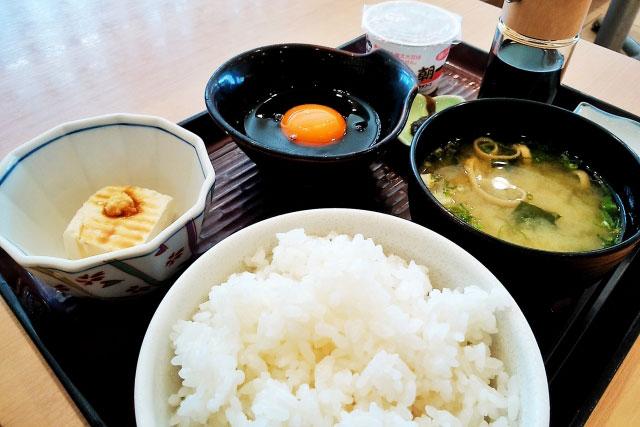 帝王切開を体験したママが語る食事に関する4つのこと